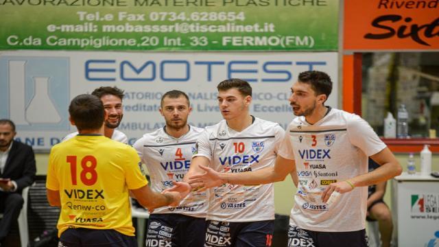 Pallavolo Serie A3, ad Aversa quinto successo di fila per la Videx Grottazzolina