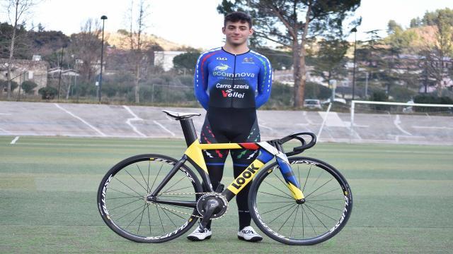 Piceno Cycling Team Ceci Dreambike, soddisfazione per la maglia azzurra del 17enne pistard Napolitano