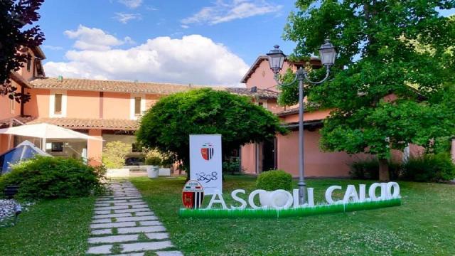 Ascoli Calcio, doppio allenamento a Cascia con circuito di forza e ripetute aerobiche