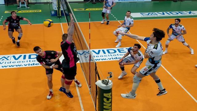 Pallavolo, la Videx perde al tie-break gara 1 dei quarti di finale contro Brugherio