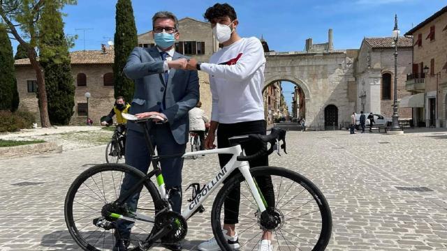 Ciclismo: Regione al fianco di Carboni, unico marchigiano al via del Giro d'Italia 2021