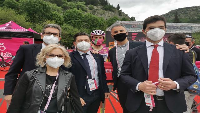 Giro d'Italia, Acquaroli e Fioravanti alla partenza della tappa marchigiana a Genga