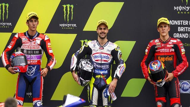 Moto3, Fenati è il più veloce nelle qualifiche del Gran Premio di Gran Bretagna. Seconda pole consecutiva