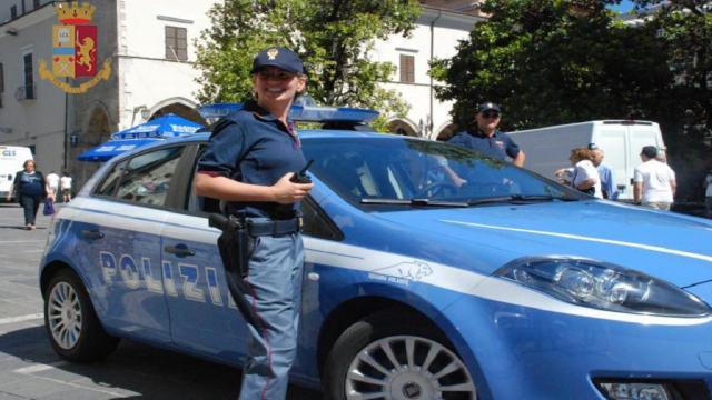 Questura Ascoli Piceno, accompagnata alla frontiera donna responsabile di diverse condotte illecite