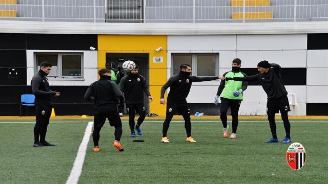 Ascoli Calcio: tecnica e possesso palla al mattino, partita nel pomeriggio. Arrivato Bidaoui