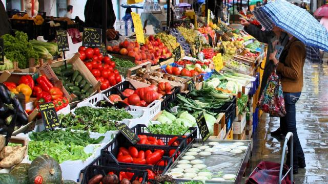 Ascoli Piceno, spostato in Piazza Immacolata tradizionale mercato ambulante del weekend