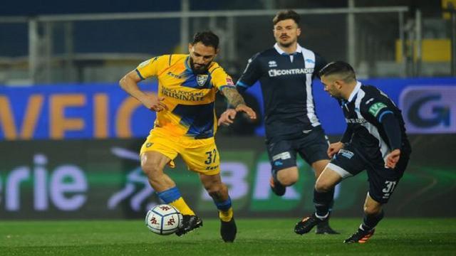 Frosinone-Pescara 0-0, Grassadonia frena Nesta e regala un punto di speranza al Delfino
