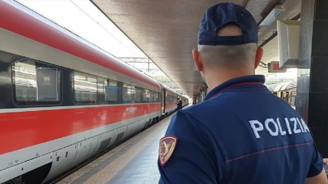 Polizia Ferroviaria San Benedetto: arrestato 32enne per truffa, furto e ricettazione
